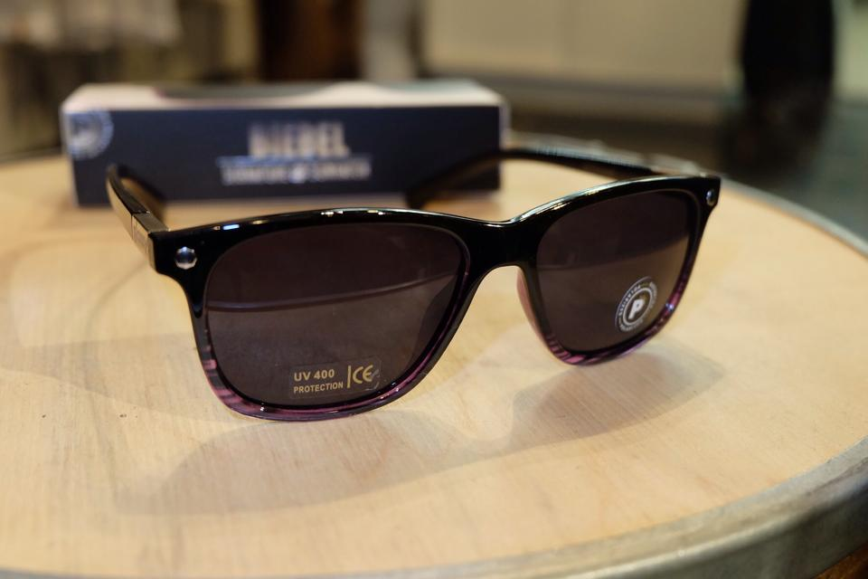 แว่นกันแดด Glassy | Glassy Biebel Signature - Black/Purple Tort Polarized : ราคา 1,390.-