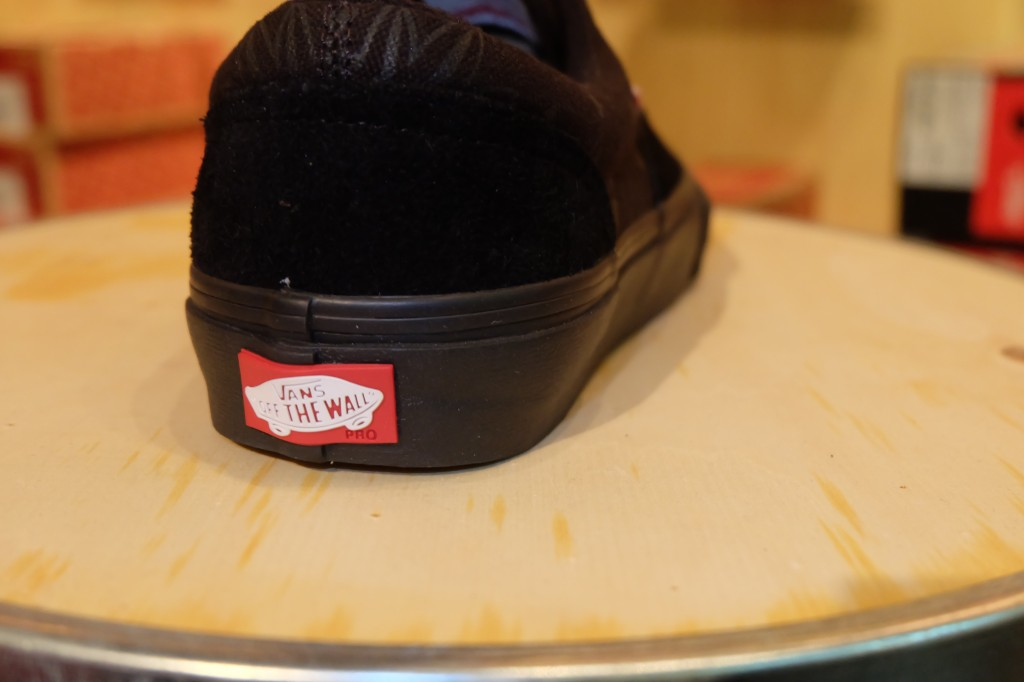 """VANS """"Era PRO - (Independent) Black"""" : Price 3,200.-"""