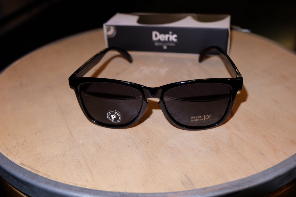 แว่นกันแดด Glassy | Glassy Deric Signature - Black Polarized : ราคา 1,390.-