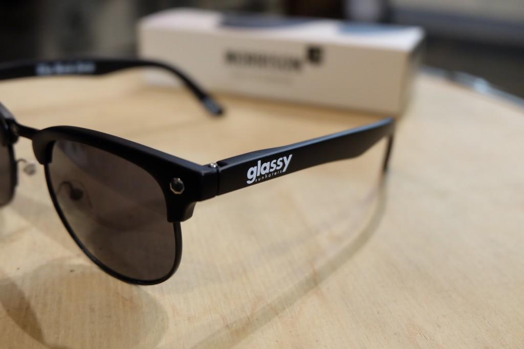 แว่นกันแดด Glassy | Glassy Morrison Signature - THE BACK 40 (BLACK) : ราคา 1,190.-