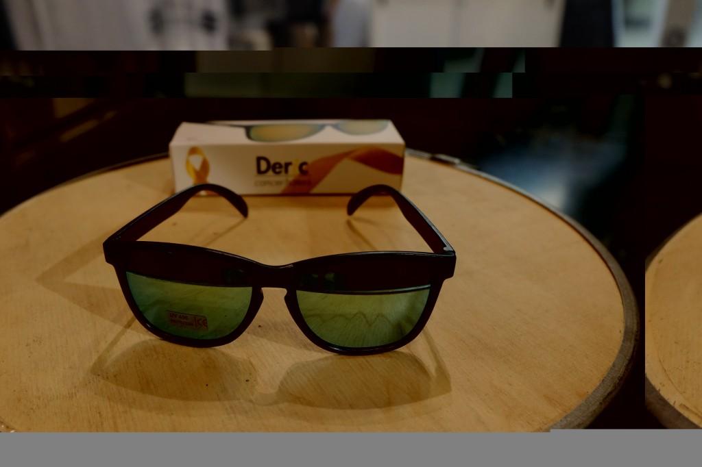 แว่นกันแดด Glassy | Glassy Deric Signature - Black/Blue Mirror : ราคา 1,190.-