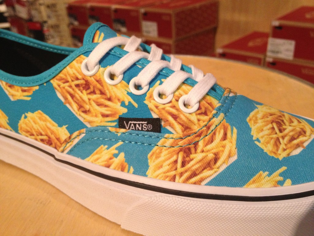 "VANS ""Authentic - (Late Night) Blue Atoll/Fries"" : Price 2,900.-"