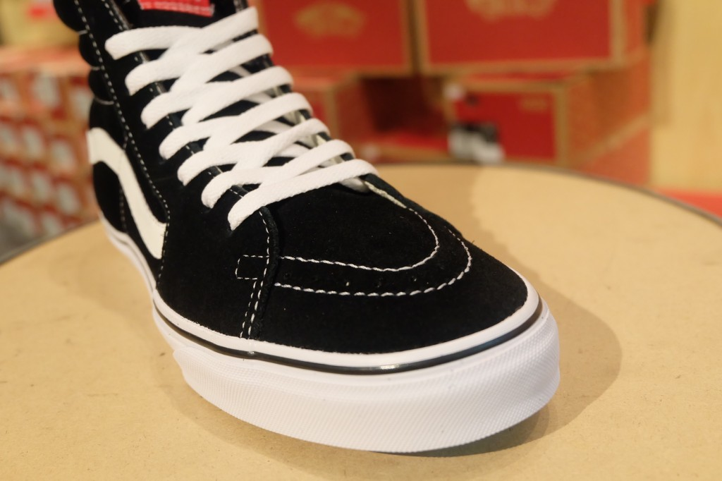 "VANS ""SK8-Hi Black/True White"" (Premium Suede) : Price 3,190.-"