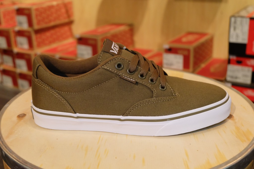 "VANS ""Winston - (Canvas) Military/White"" : Price 2,100.-"