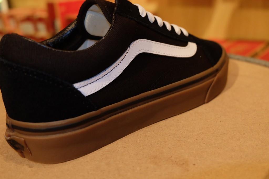 """รองเท้า VANS """"Old Skool - (Gumsole) Black/Medium Gum"""" : Price 2,500.-"""