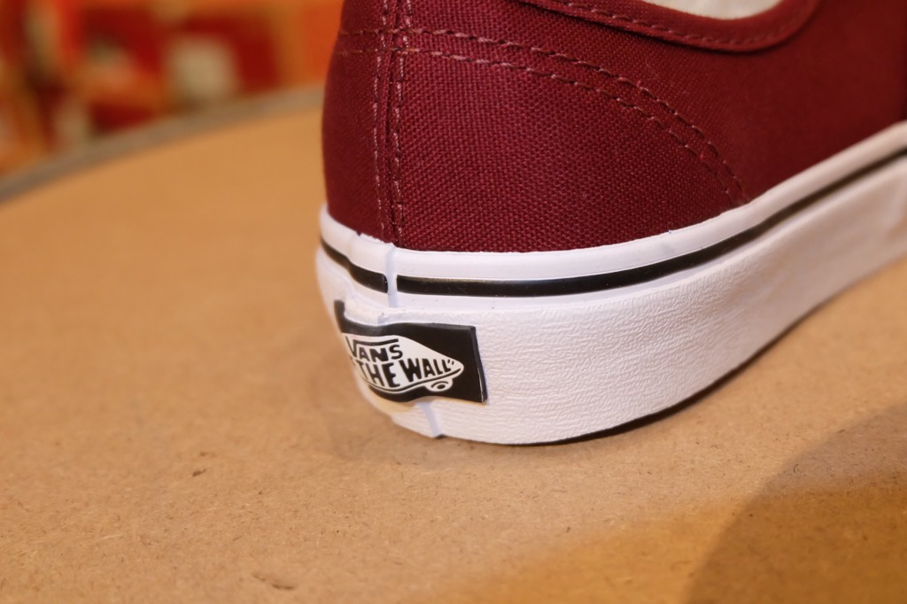 "รองเท้า VANS ""Authentic - Port Royale/Black"" : Price 1,950.-"