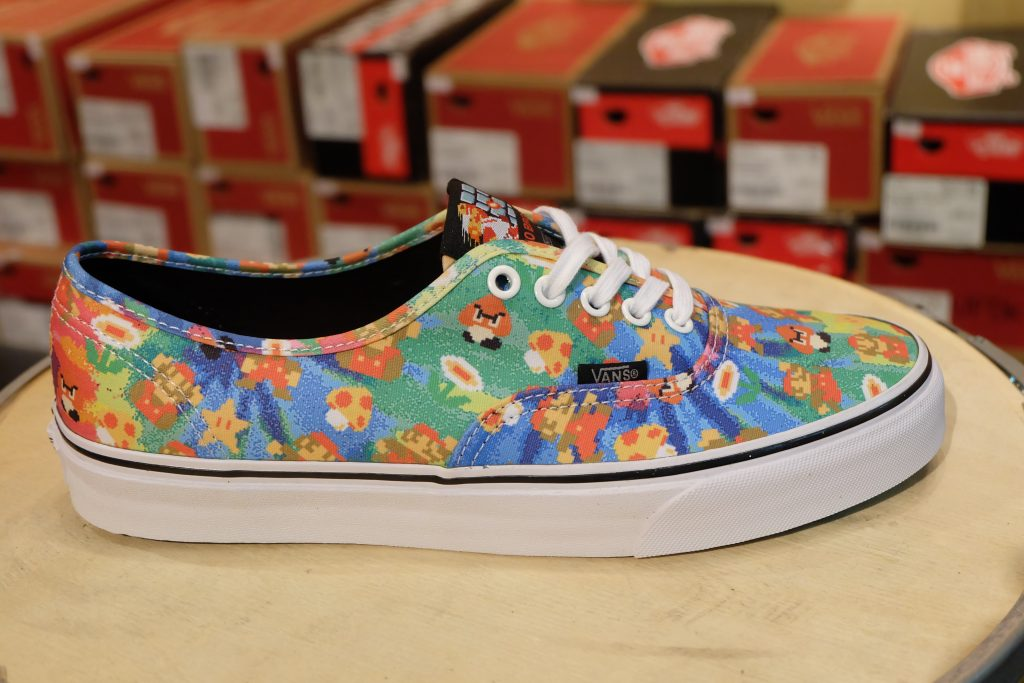 "VANS ""Authentic - (Nintendo) Super Mario Bros"" : Price 3,800.-"