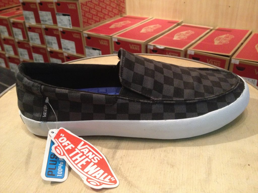 "VANS ""Bali (Checker) - Black/Dark Shadow"" : Price 2,300.-"