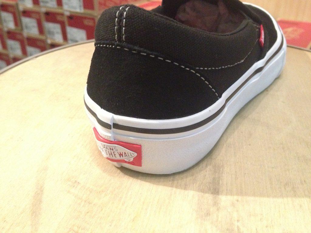 """VANS """"Slip-On PRO - Black/White/Gum"""" : Price 3,000.-"""