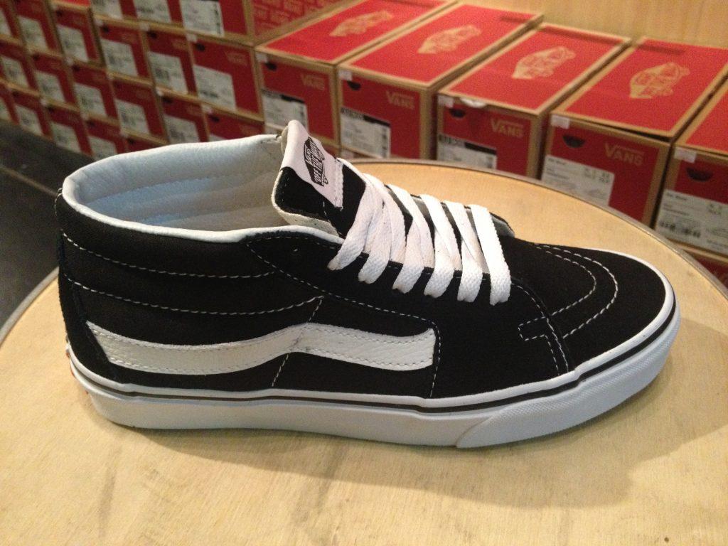 """VANS """"Skate MID - Black/White"""" : Price 3,100.-"""