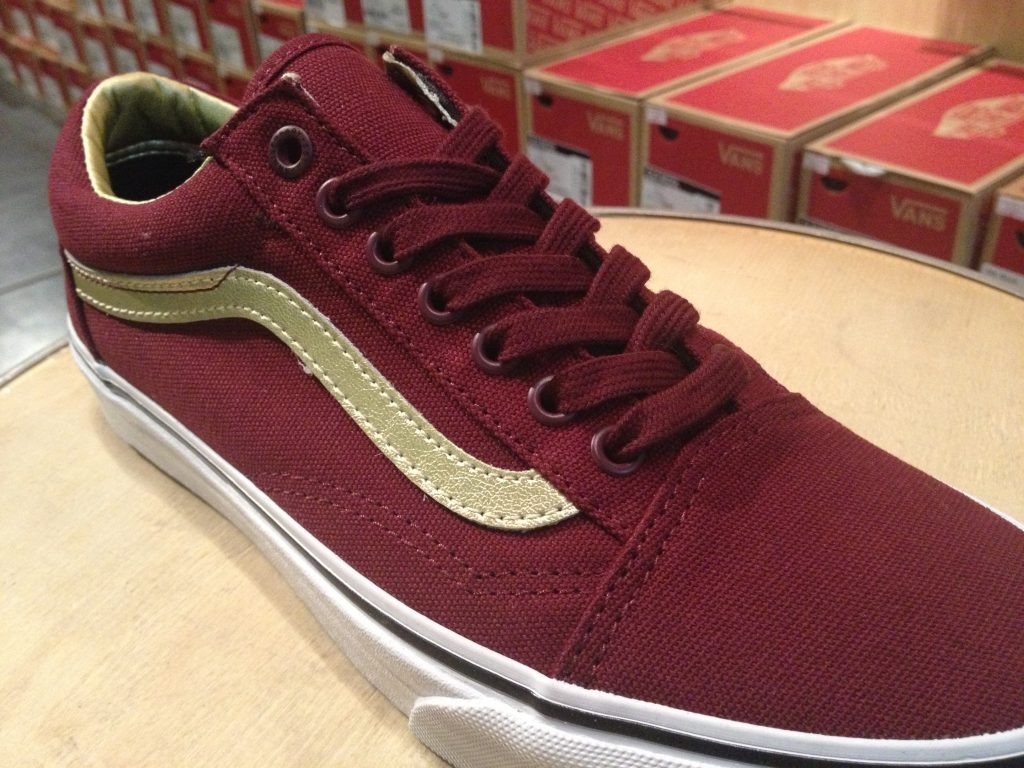 "VANS ""Old Skool (50th) - Port Royale/Gold"" : Price 3,500.-"
