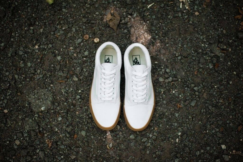 """VANS """"Old Skool (Canvas Gum) - True White/Light Gum"""" : Price 2,600.-"""