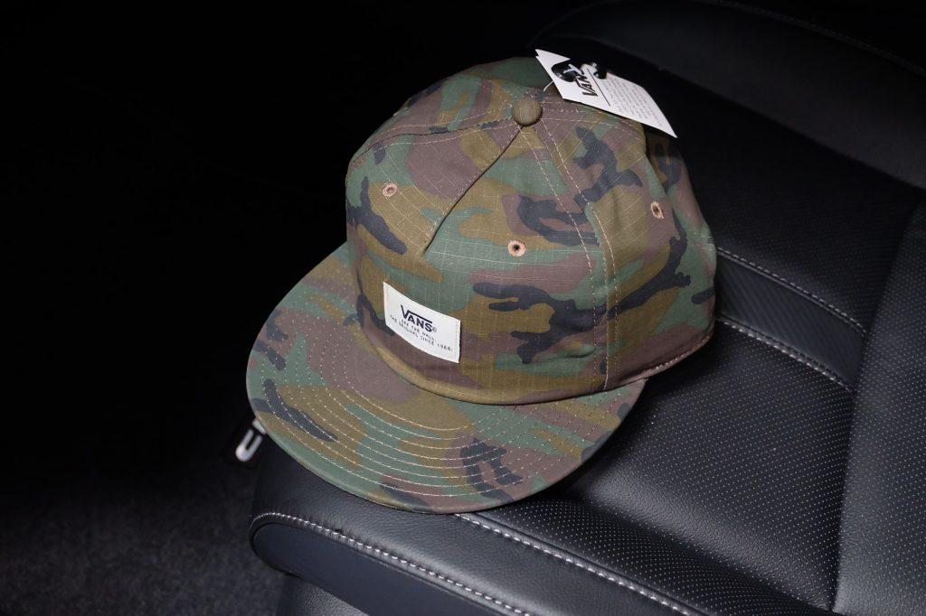 [VANS] Helms UNSTRUCTURED Snapback Cap - Classic Camo : Price 1,250.-