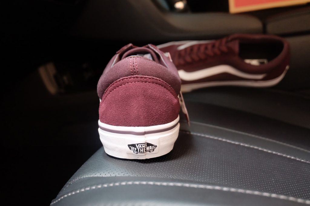 "VANS ""Old Skool (Suede/Canvas) Iron Brown/True White"" : Price 2,700.-"