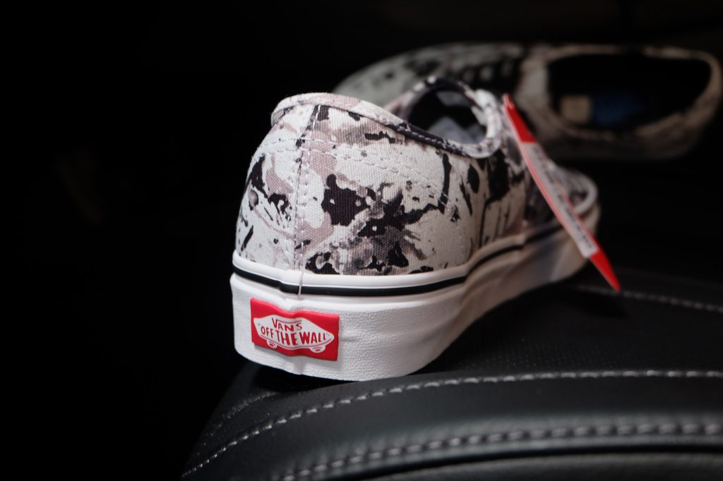 "VANS ""Authentic (Paint Splatter) - Black/True White"" : Price 2,800.-"