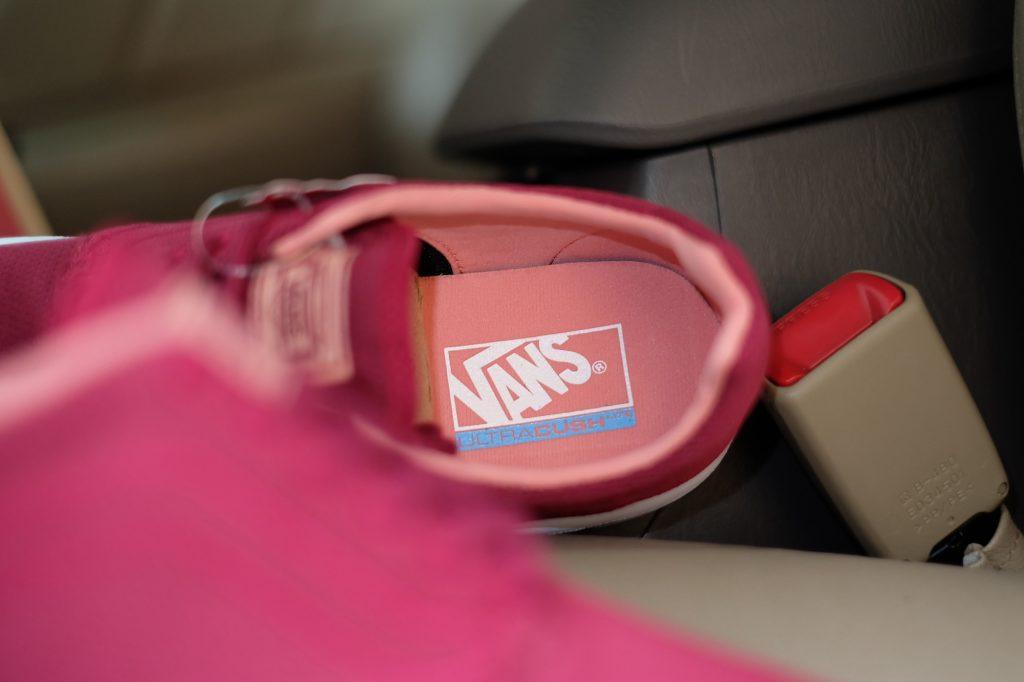 "VANS ""ISO 1.5 + (Mesh) - Beet Red/White"" : Price 3,300.-"