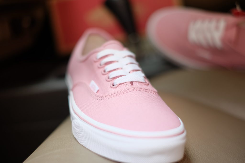 "VANS ""Authentic - Zephyr/True White"" : Price 1,950.-"