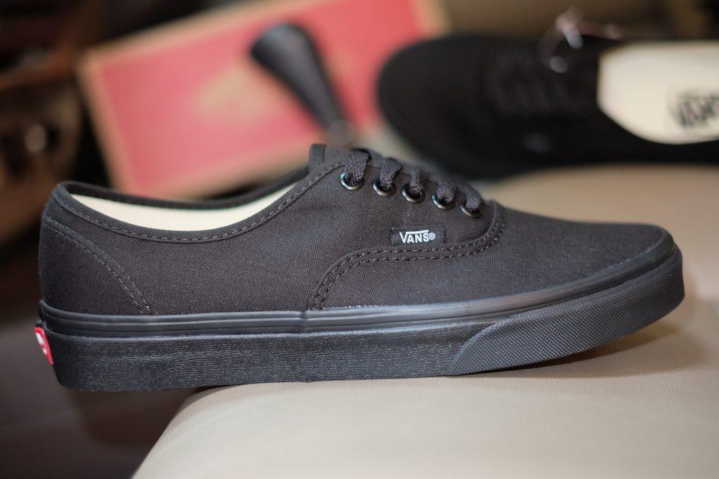 "VANS ""Authentic - Black/Black"" : Price 1,880.-"