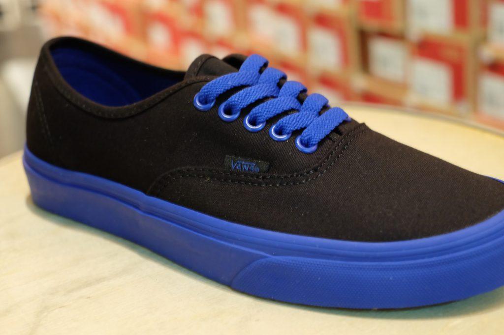 """VANS """"Authentic - (Pop Outsole) Black/True Blue"""" : Price 1,950.-"""