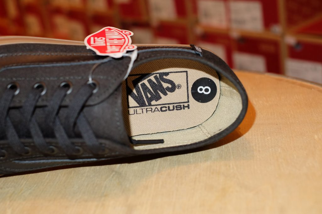 "VANS ""Black Ball SF - Biking Black/Gum"" : Price 2,400.-"