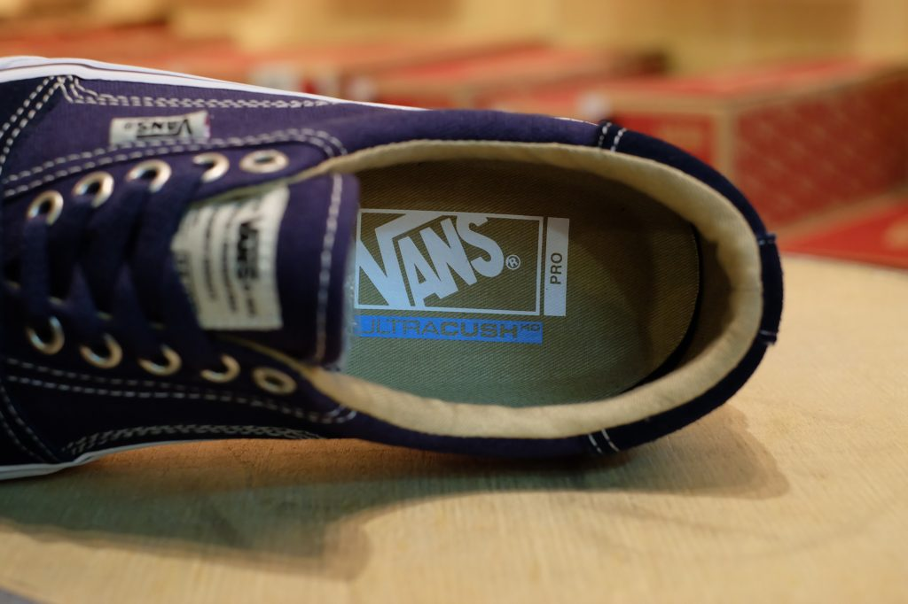 "VANS ""Rowley [Solos] - Navy/White"" : Price 3,500.-"