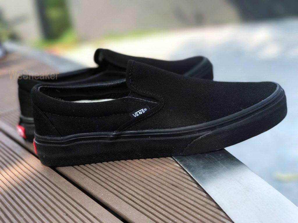 "VANS ""SlipOn Classic - Black/Black"" : Price 1,880.-"