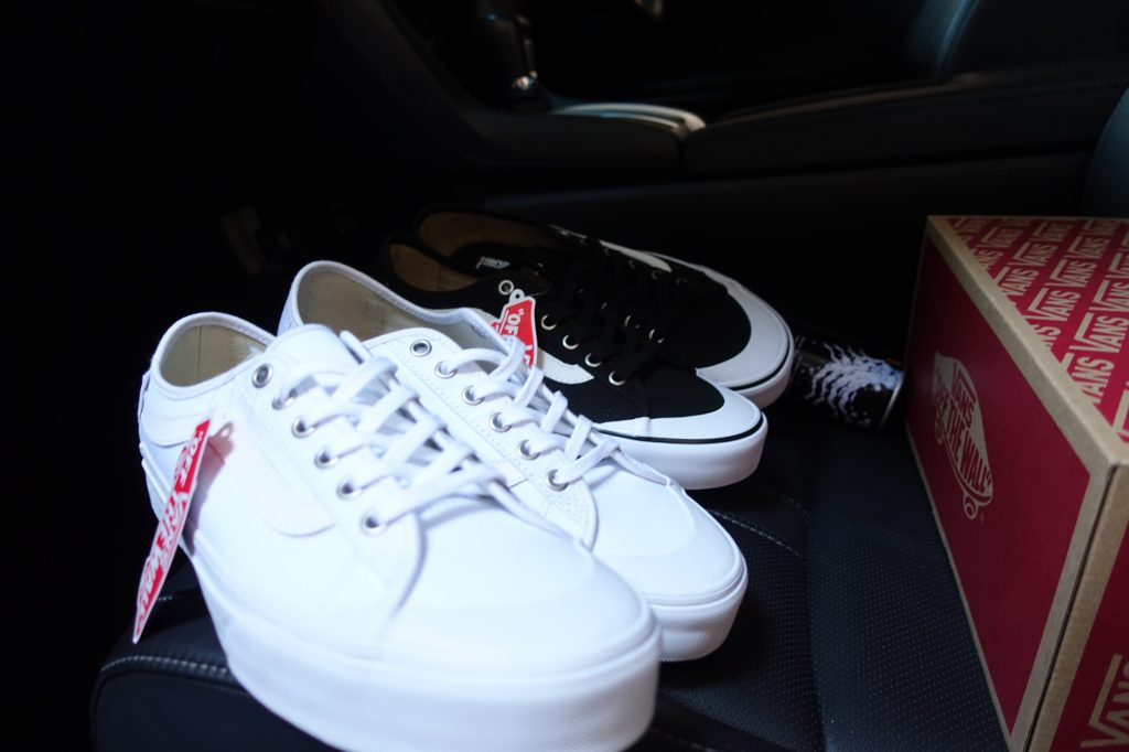 "รองเท้า VANS ""Black Ball SF - White/White"" : Price 2,700.-"