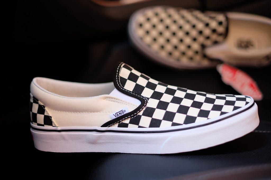 "VANS ""SlipOn Classic - Checkerboard Black/Off White Check"" : Price 1,880.-"