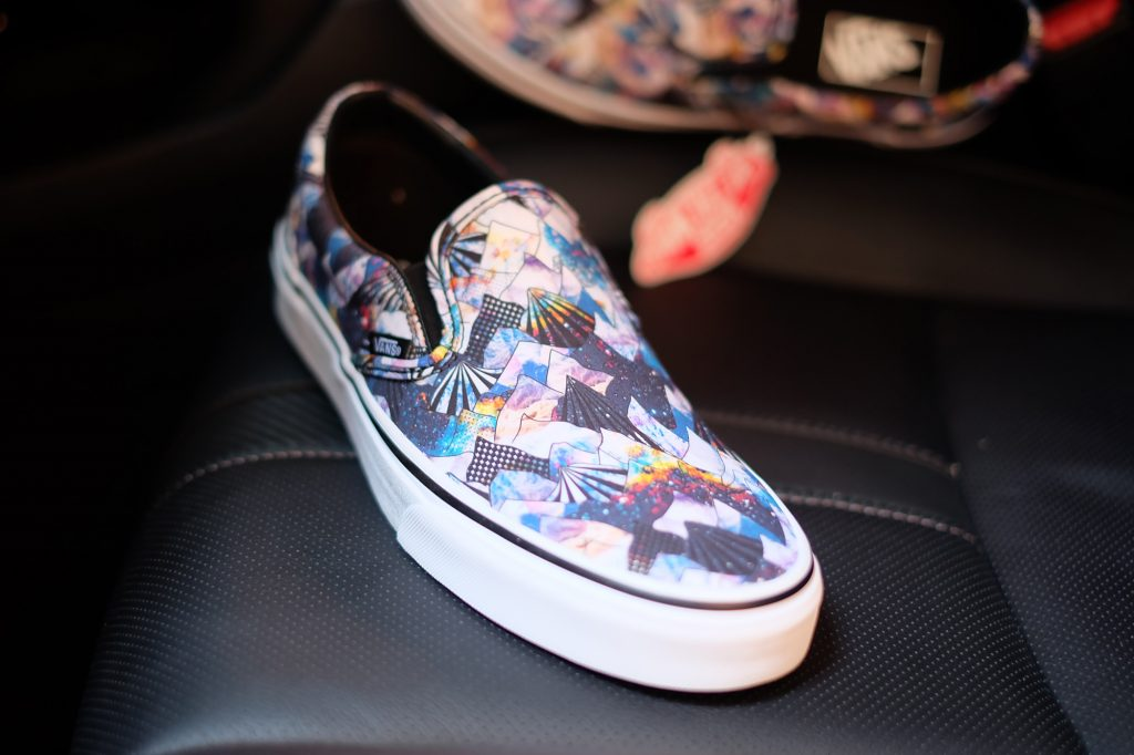 "VANS ""SlipOn Classic - (Nebula Mountain) Black/True White"" : Price 2,800.-"