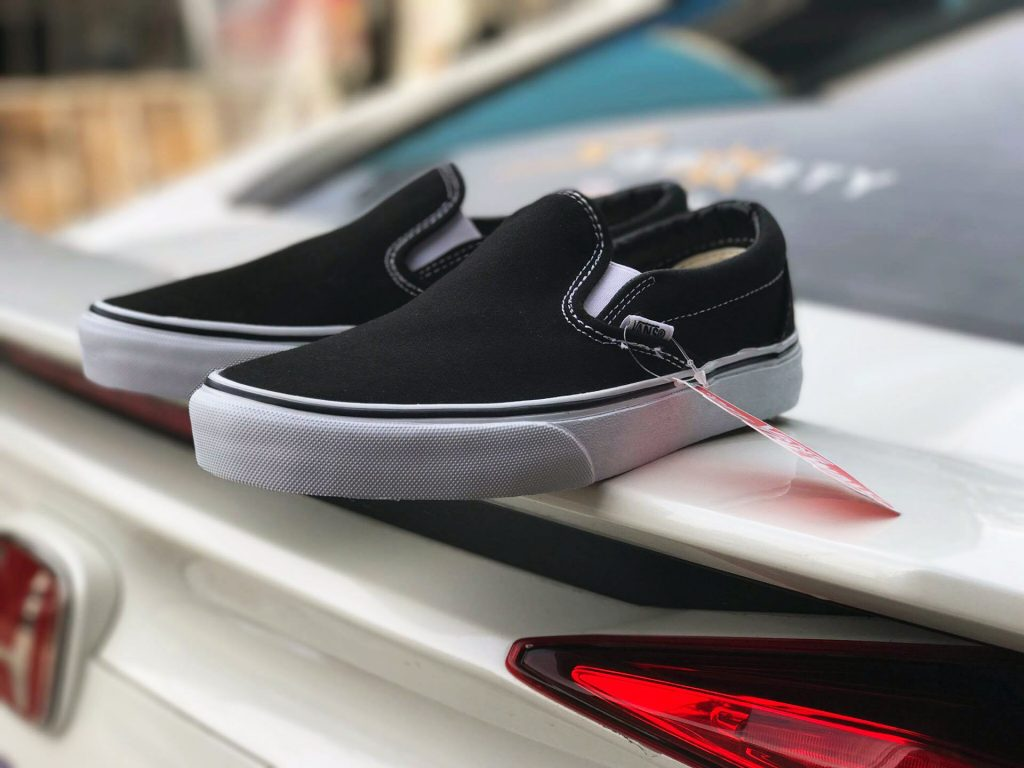 "VANS ""Slip On - Black"" : 1880.-"