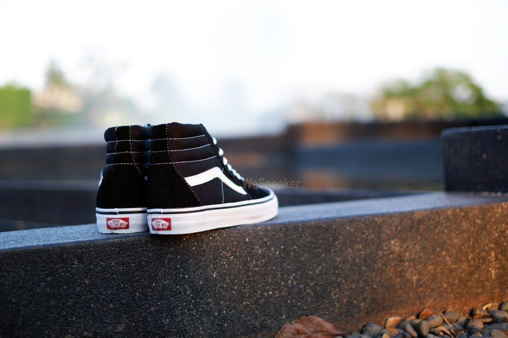 """รองเท้า VANS """"SK8 Hi - Black"""" : Price 2,550.-"""