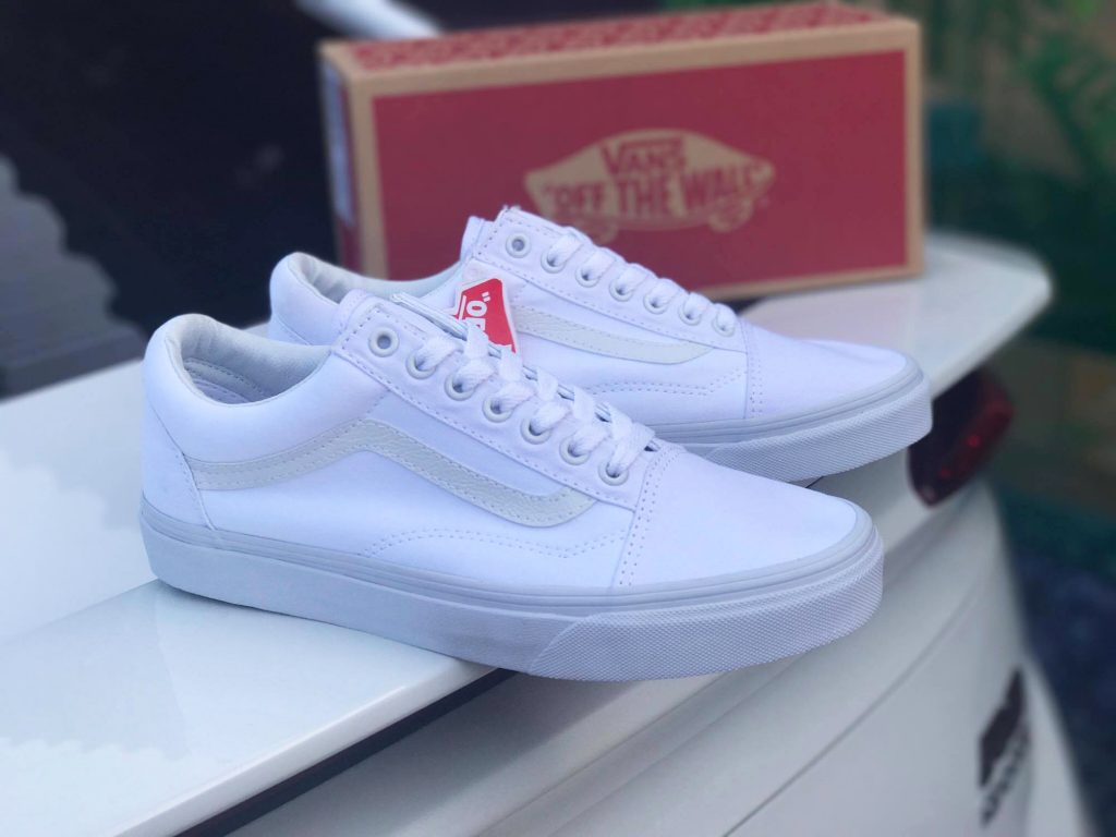 VANS Old Skool - True White : Price 2,300.-