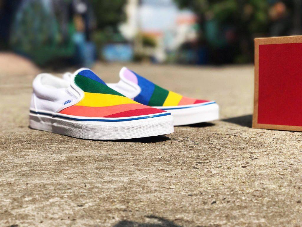 VANS Slip-On (Rainbow) - True White : Price 2,200.-