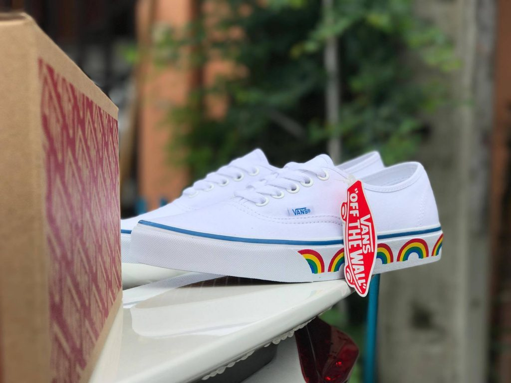 VANS Authentic (Rainbow Tape) - True White : Price 2,200.-