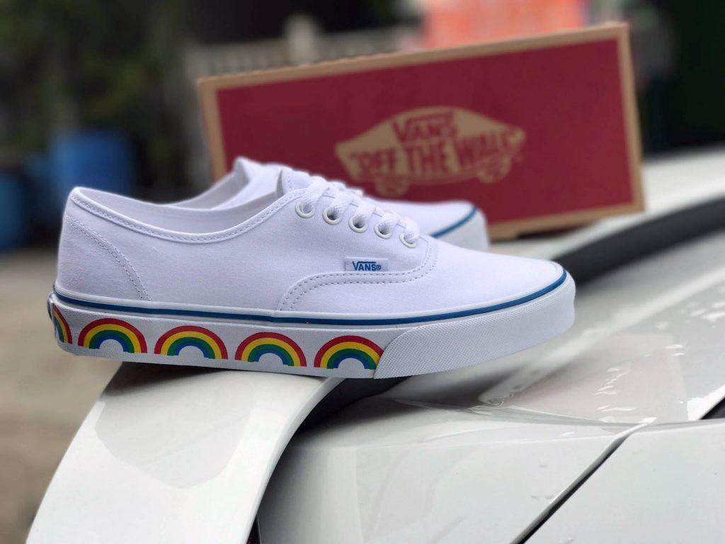 VANS Authentic (Rainbow Tape) - True White : Price 2,200.-
