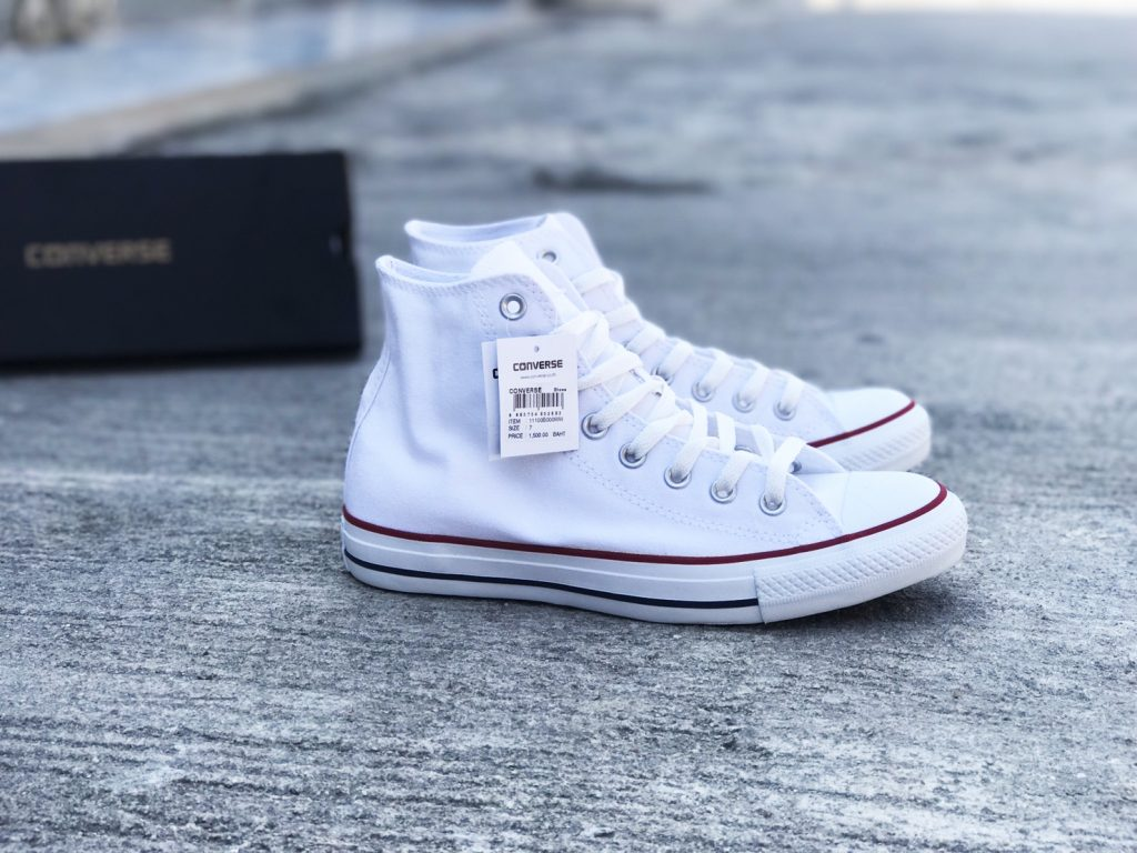 Converse All Star Hi - White (Classic) : Price 1,750.-