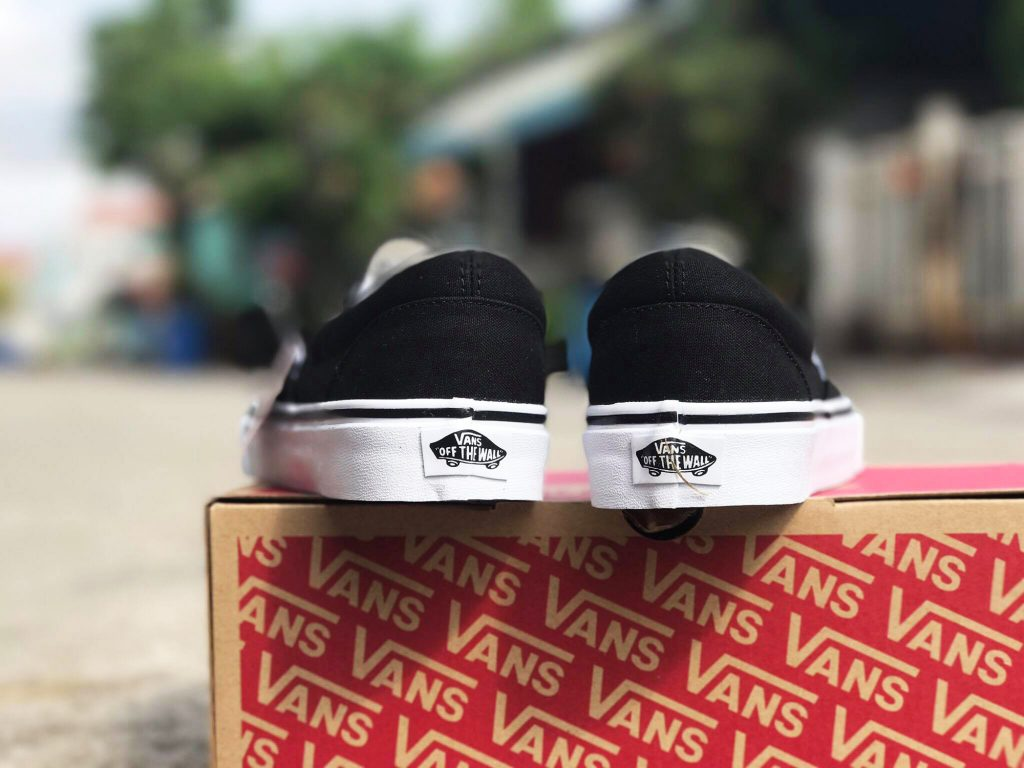 VANS Slip-On (Sunshine) - Black : Price 2,200.-