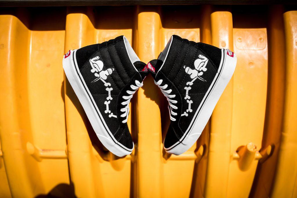 VANS SK8-Hi Reissue (Peanuts) Snoopy Bones/Black : Price 4,500.-