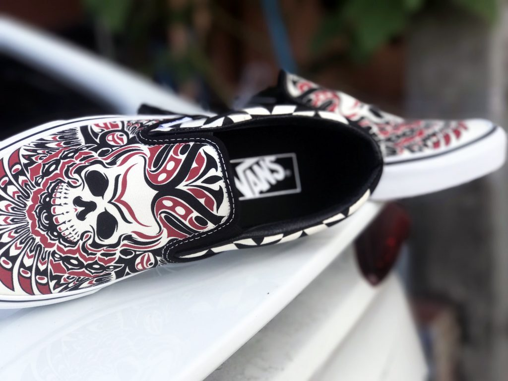 VANS Slip-On - (Stormy Bird) Black/True White : Price 2,100.-