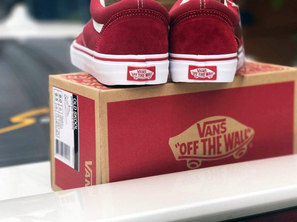 VANS Old Skool - Brick Red : Price 3,000.-