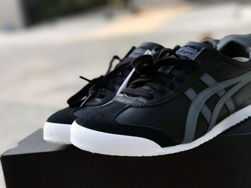 ONITSUKA TIGER MEXICO 66 (Black/Carbon) : Price 4,200.-