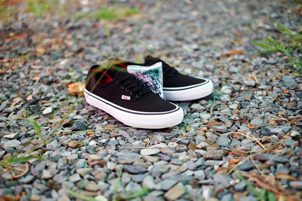 [VANS] Authentic (PRO) - Black/White : Price 3,100.-