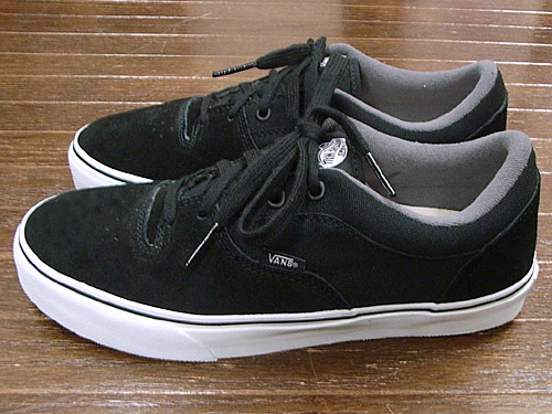 VANS Rowley - Black : 3100.-