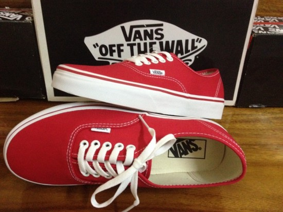 VANS Authentic - Red : 1580.-