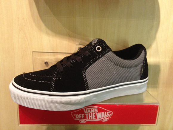 VANS AV SK8 Low - Black/Grey : 2900.-