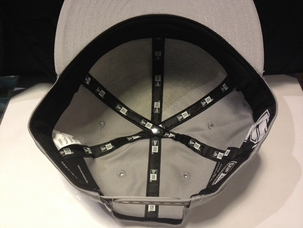 """New Era """"FAMOUS - Charcoal (Family Signature)"""" : Price 1590.-"""