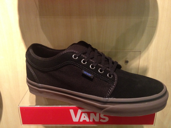 VANS Chukka Low – Black/Gum /Blue: 2100.-