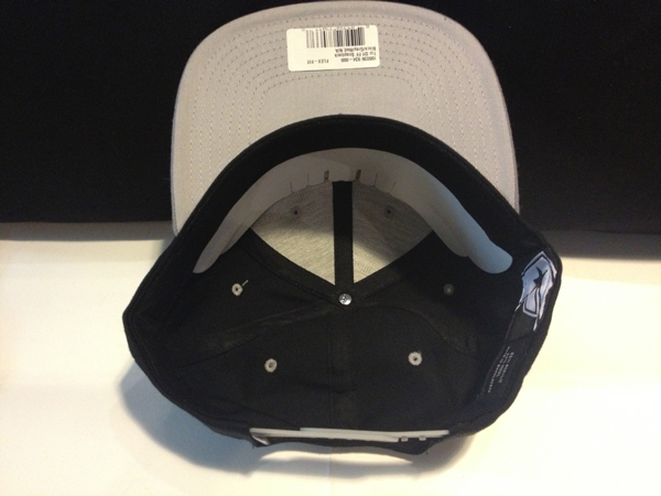 """Yupoong """"FAMOUS - Black/Grey (STARS & STRAPS Signature)"""" : Price 1590.-"""