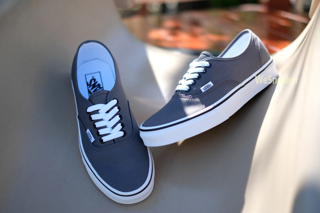[VANS] Authentic - Pewter/Black : Price 1,990.-