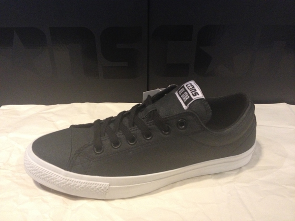 """CONS """"CTS OX – Black/White"""" : Price 2400.-"""